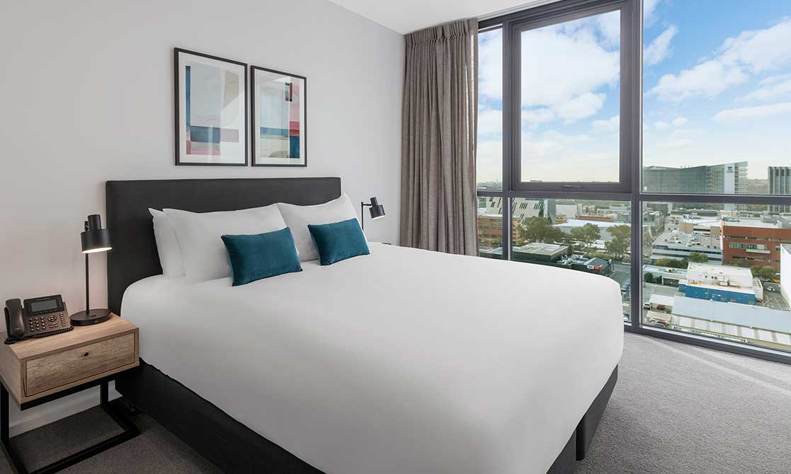 Comfortable king size bed with stunning views