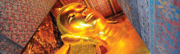 Visit Wat Pho temple during the stay at a Hotel in Asoke