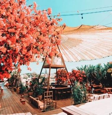 Parachute Bali Cafe