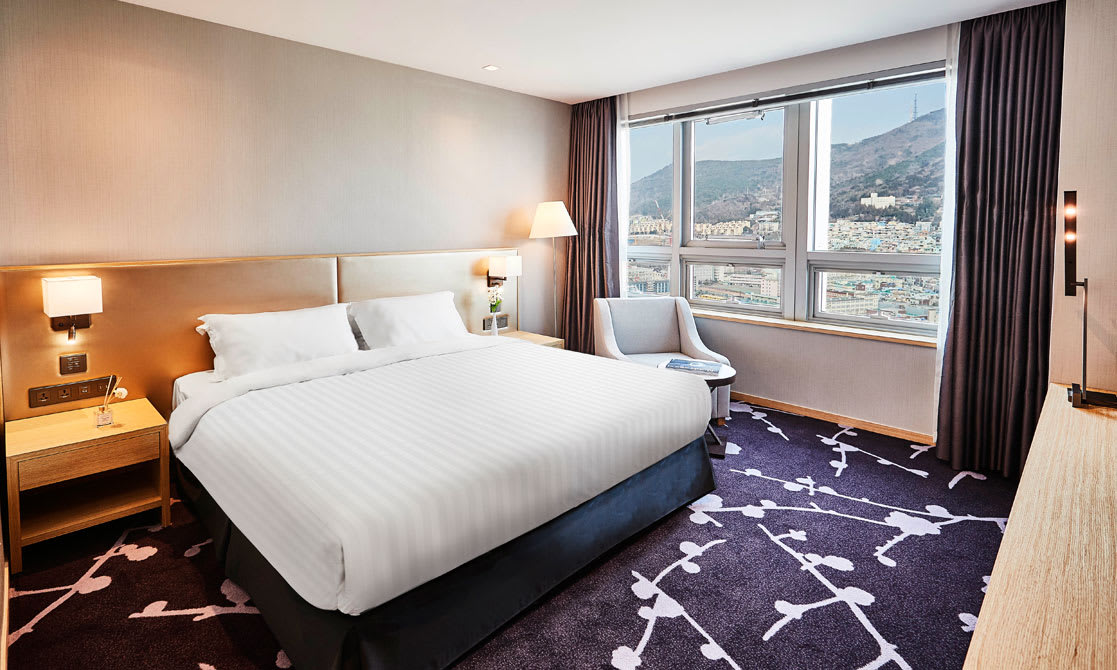 Avani Deluxe Mountain View King Room