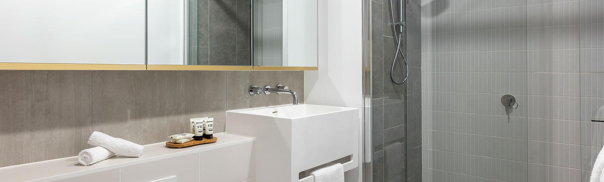 Avani Melbourne Central Residences Bedroom Suite Bathroom