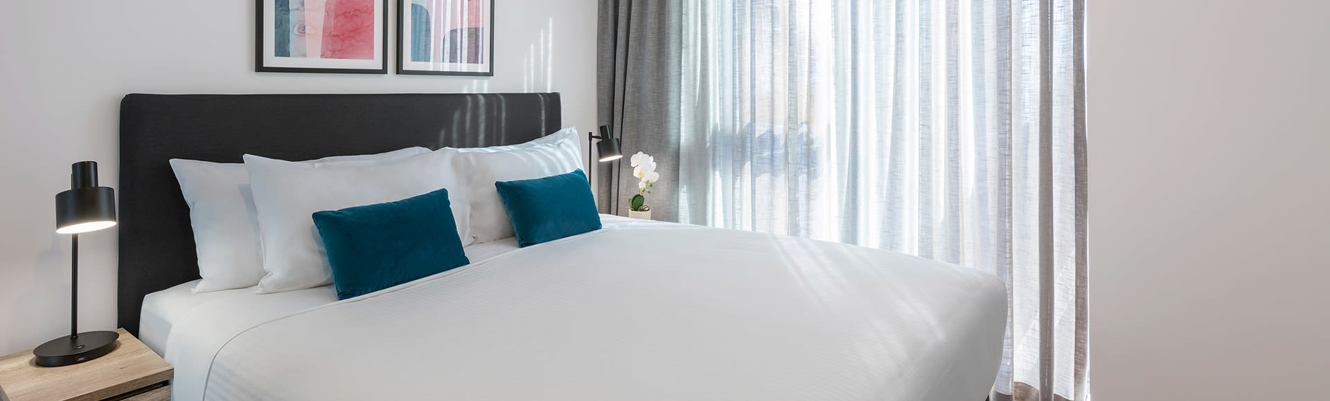 Avani Melbourne Central Residences 1 Bedroom Superior Suite Bedroom Curtain