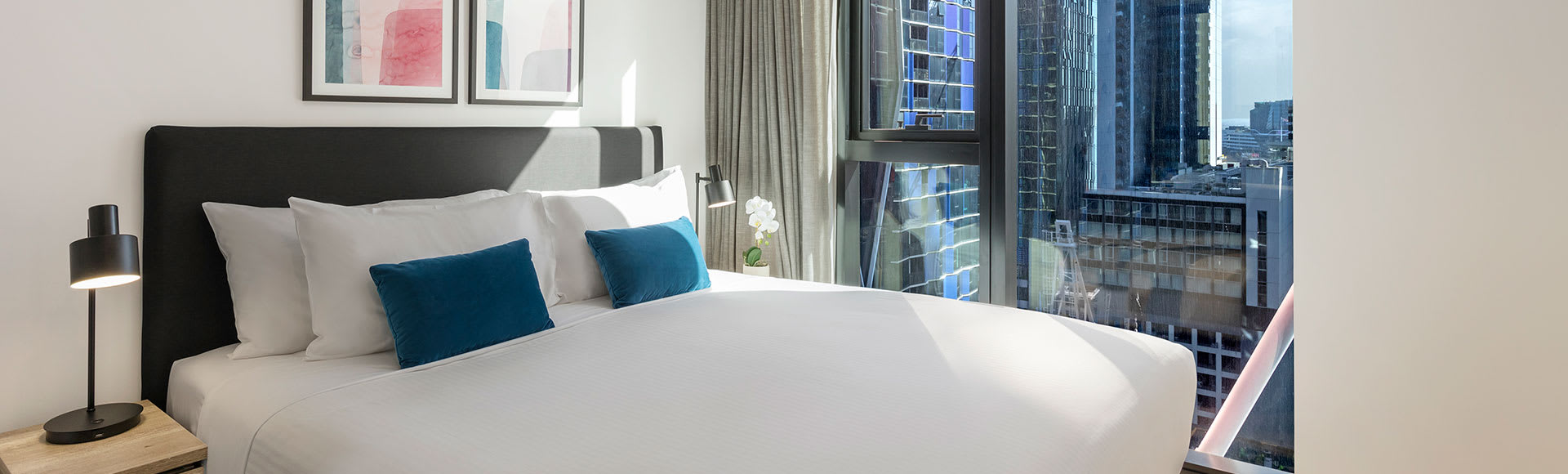 Avani Melbourne Central Residences 1 Bedroom Superior Suite Bathroom Out
