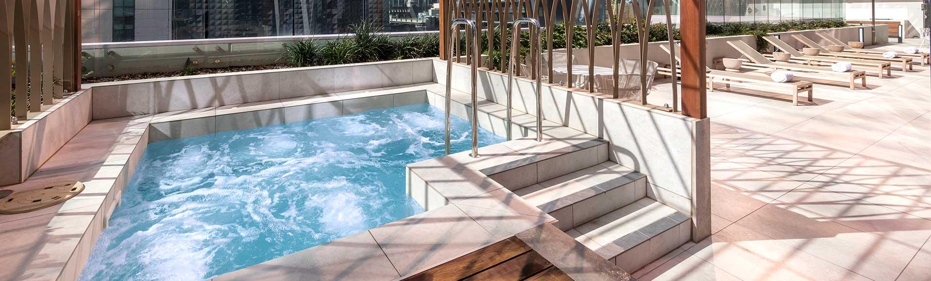 Avani Central Melbourne Spa
