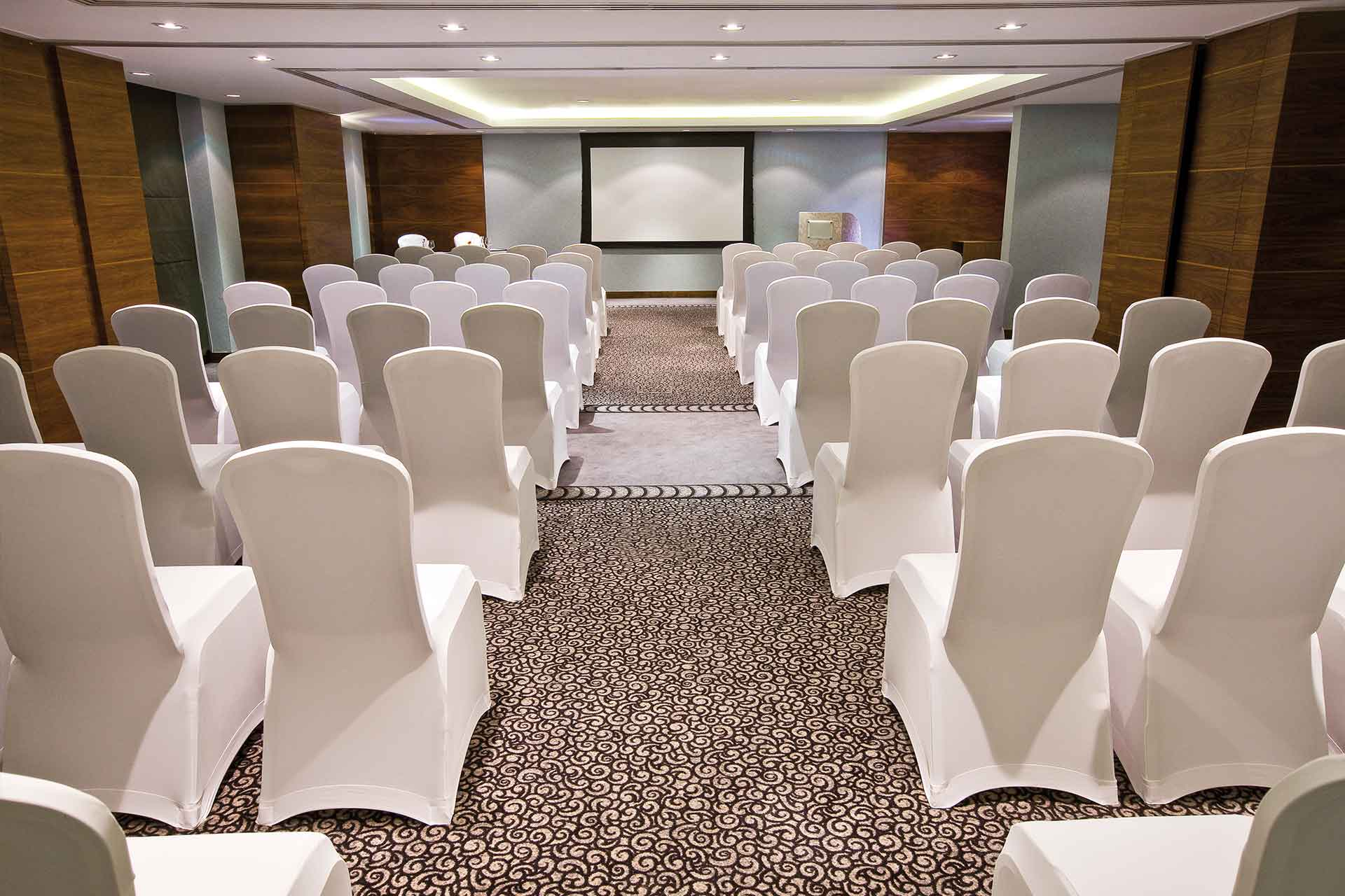 AVANI Deira Dubai Meeting room in classroom setup