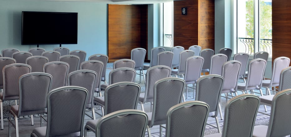 A small meeting room at one of Business Hotels in Dubai