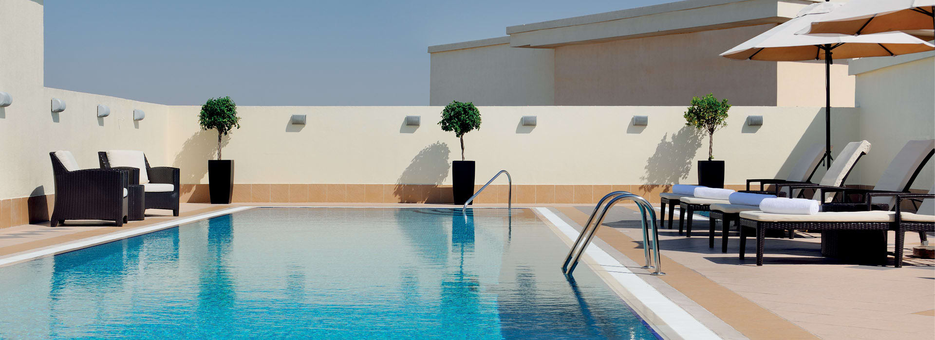 Hotel deals Dubai and rooftop pool hotels