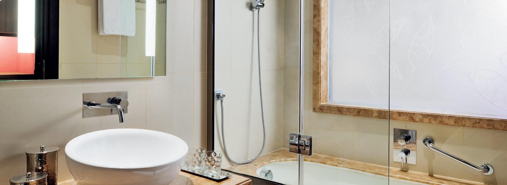 Executive room bathroom of a Business Hotel Dubai