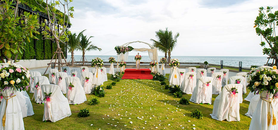 Lawn weddings at AVANI Hua Hin