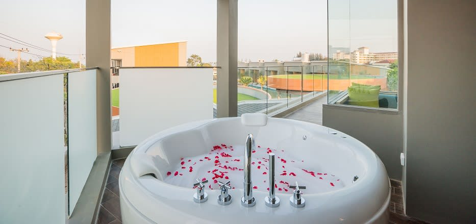 Hua Hin Hotel With Private Jacuzzi Avani Hua Hin Deluxe Jacuzzi Room