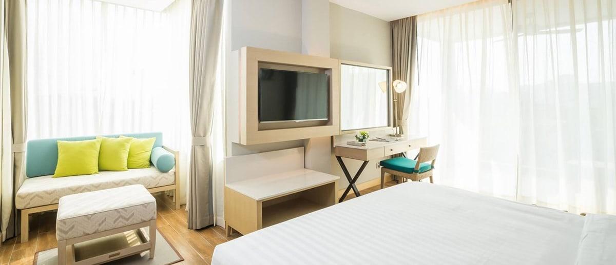 AVANI Hua Hin Deluxe Jacuzzi Room bedroom