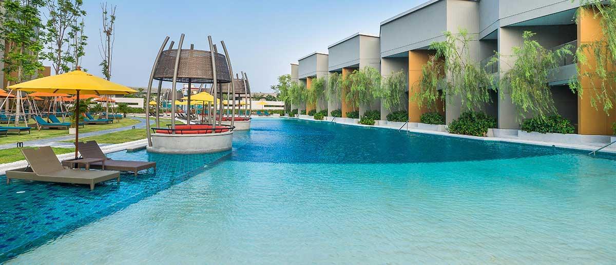 AVANI Deluxe Pool Access Room