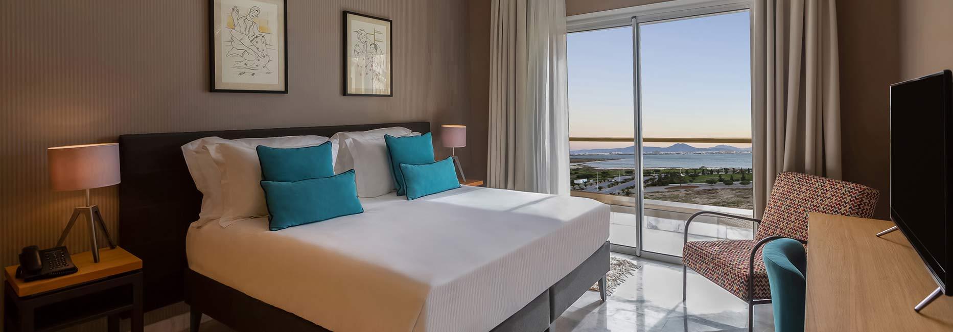 Avani One Bedroom Suite Bedroom at Avani Les Berges du Lac Tunis Suites