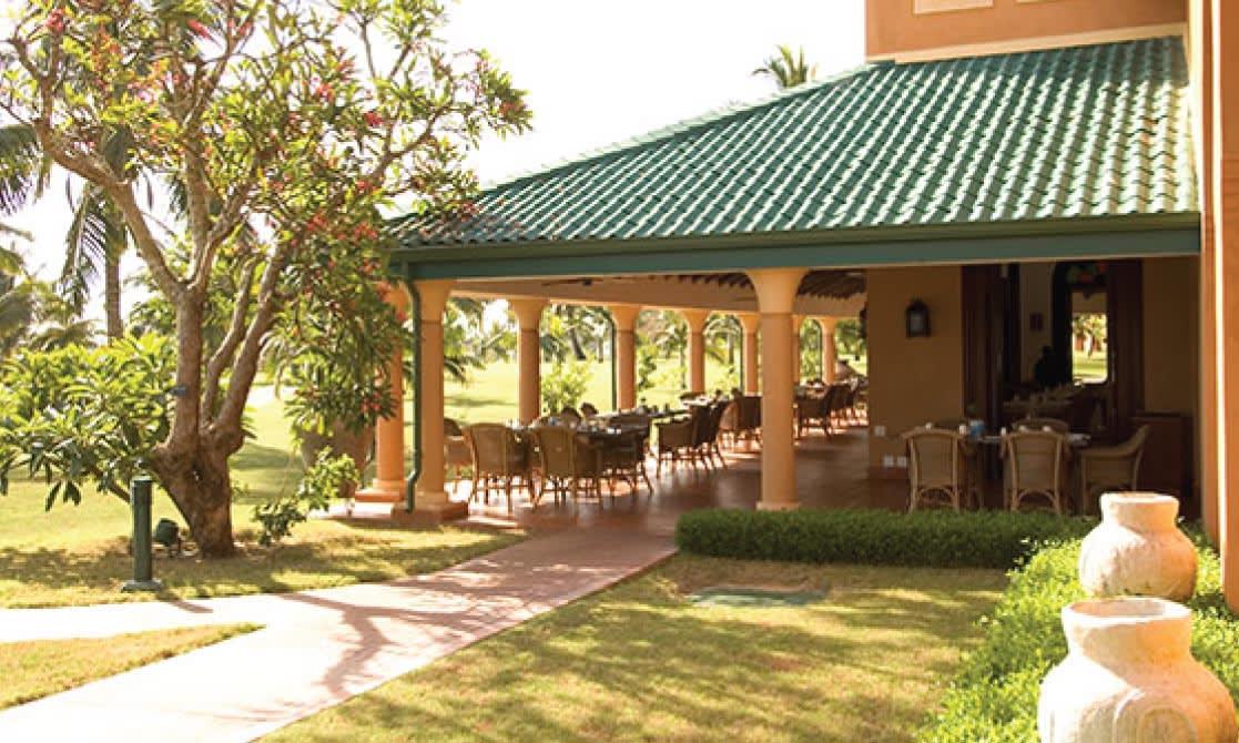 Quirimbas restaurant exterior at AVANI Pemba