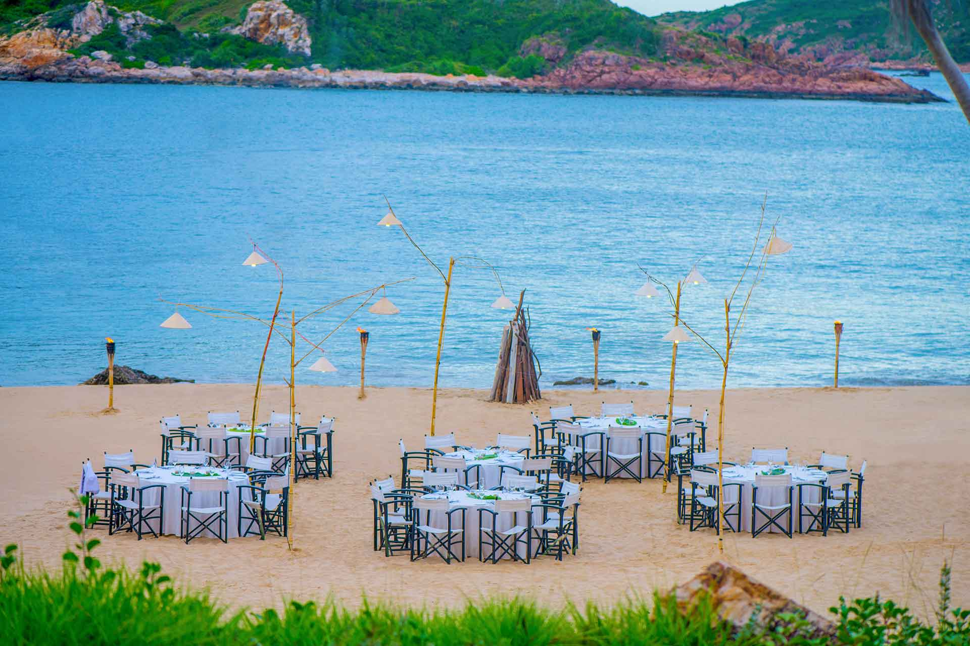 Beach dining at AVANI Quy Nhon