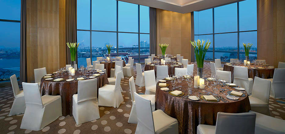 A Meeting room with river view at AVANI Riverside