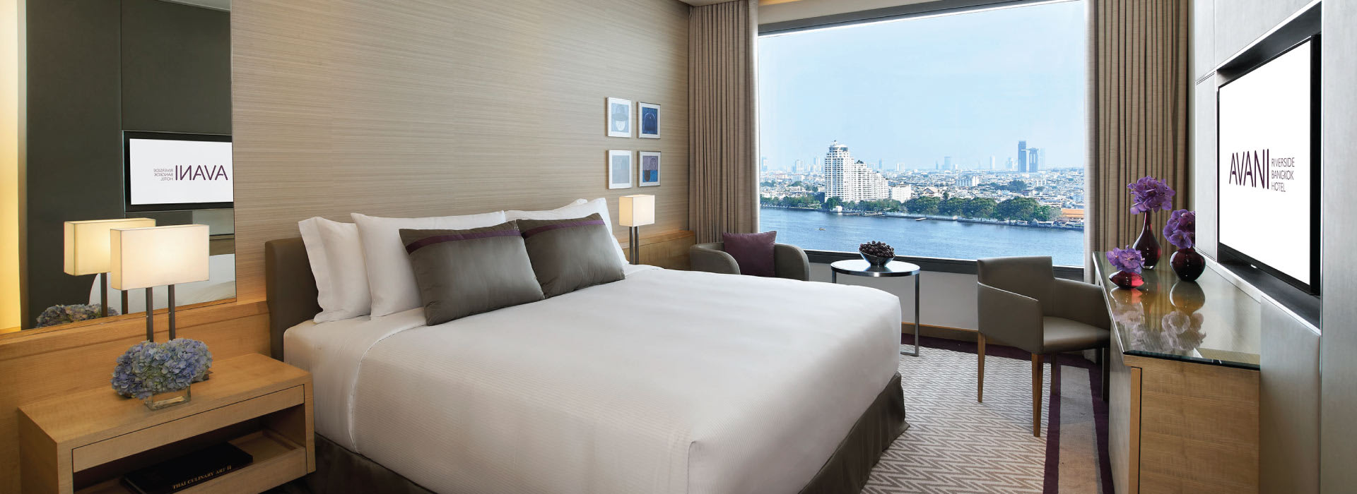 Interior of a River view room by AVANI Riverside Bangkok