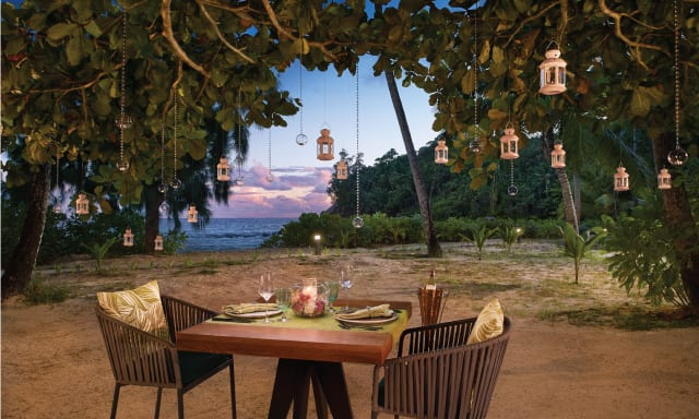 Dining on beach offered for Seychelles Honeymoon Package