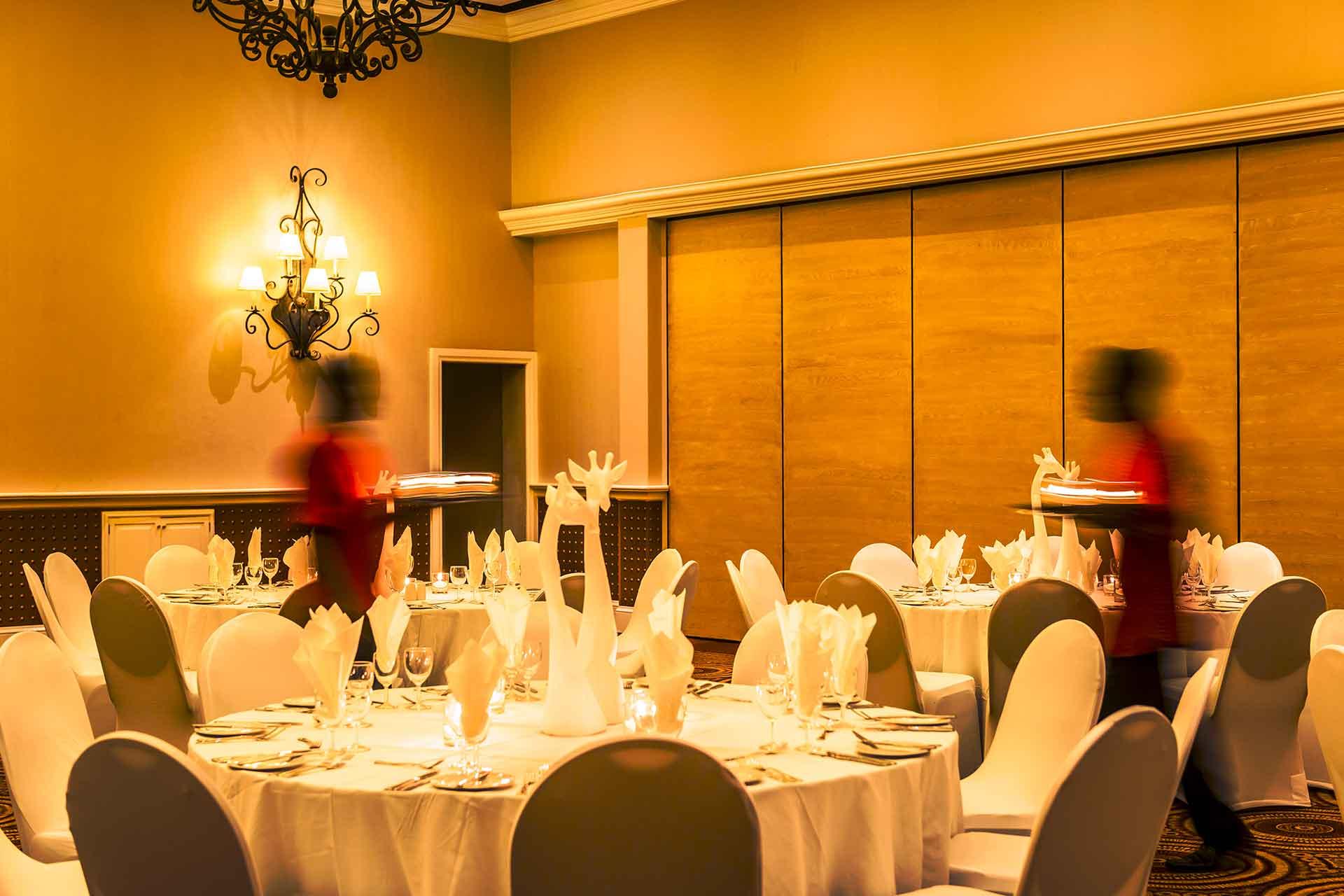 Zambezi Hotel restaurant at AVANI Victoria Falls